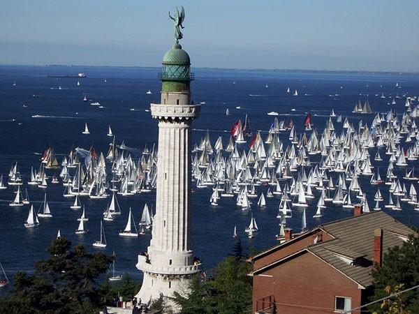 Faro_della_Vittoria_Trieste_Italia