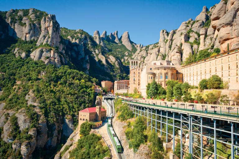 Montserrat-Barcelona-Artistic-001-768x511
