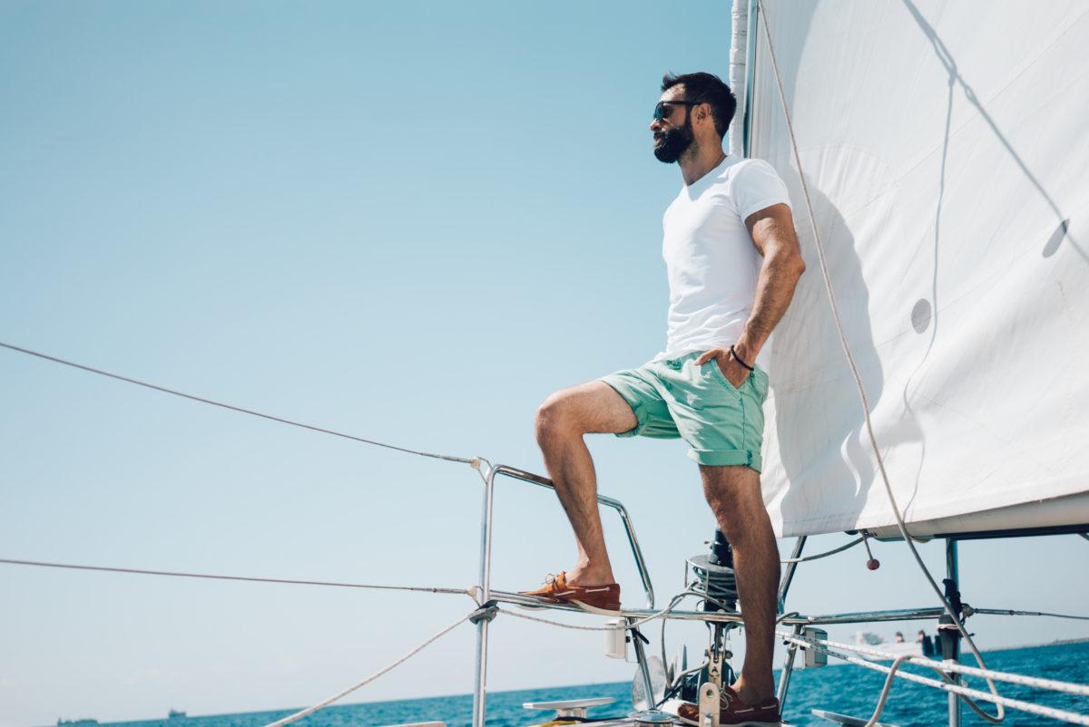 Hombre a bordo de un barco