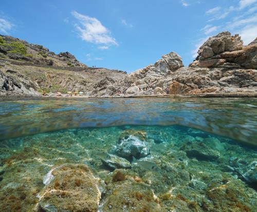Cala Culip en el Cap de Creus con sus rocas y aguas transparentes